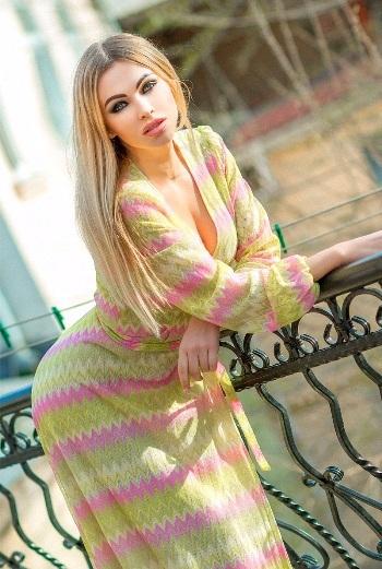 Karina,オデッサ(ウクライナ)
