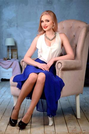 Karina,スミー(ウクライナ)