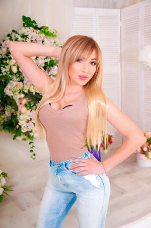 Yulia,オデッサ(ウクライナ)